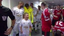 Çocuklar futbol idolleri ile karşılaşınca