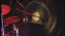 Freddie Mercury'in Sahnede Çıldırması