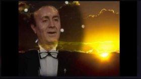Ali Osman Akkuş - Gel Nazlı Güzel Gel Bana Can Ver Gülüşünle