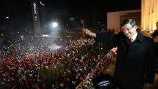 Başbakan Davutoğlu'ndan Balkon Konuşması