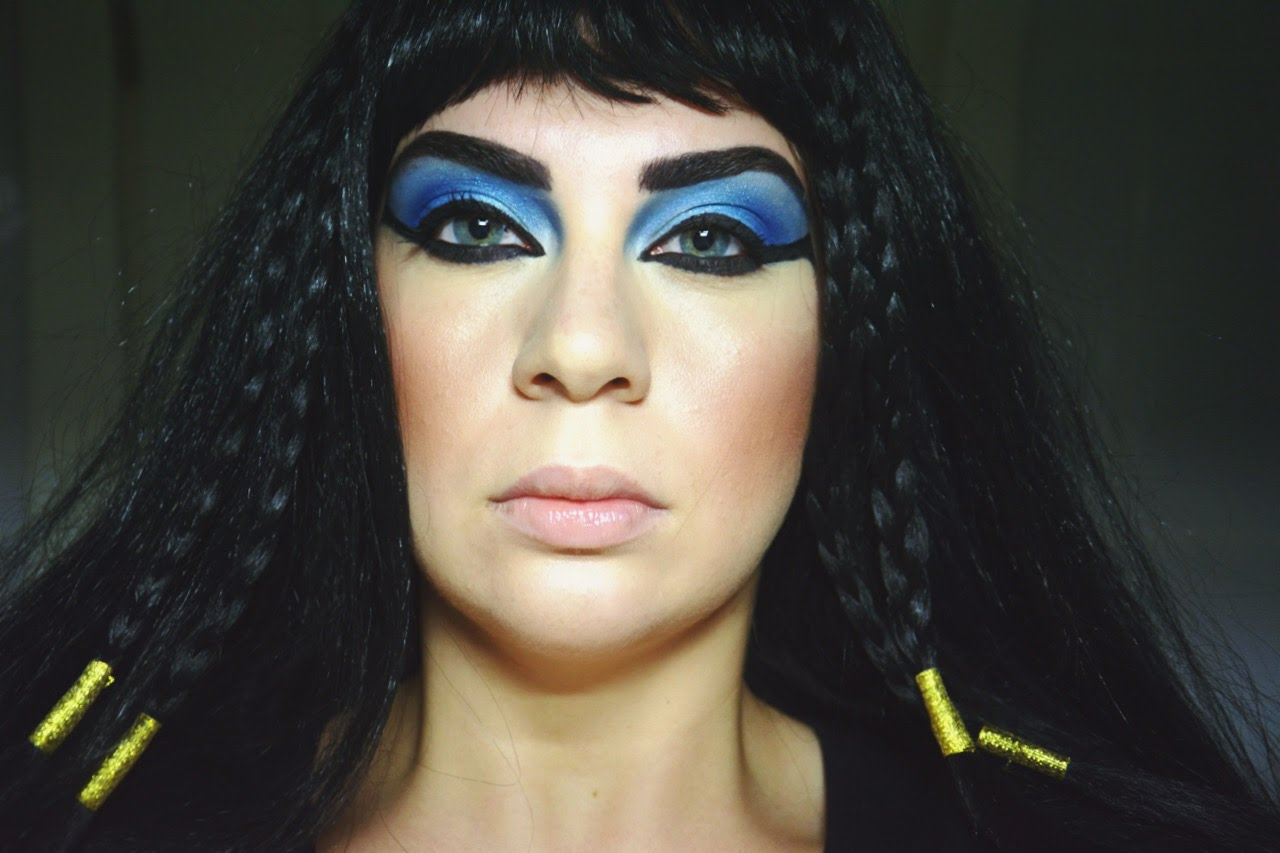 Kleopatra Makyajı Nasıl Yapılır