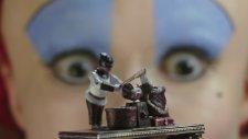 Alis Harikalar Diyarında: Aynanın İçinden (Alice Through The Looking Glass) Türkçe Altyazılı Fragman