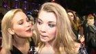 Açlık Oyunları Galasında Jennifer Lawrence'dan Natalie Dormer'un Dudaklarına Sıcak Bir Öpücük
