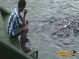 Eliyle Balık Tuttu