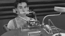 Charlie Chaplin - Yemek Makinası