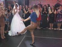 Aramızda Dansöz Var mı