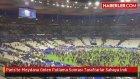Paris'te Meydana Gelen Patlama Sonrası Taraftarlar Sahaya İndi