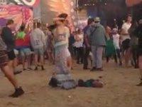Biraz Sahil Biraz Müzik ve Bağımlılık Yaratan Dans