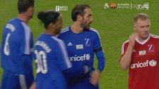 35'lik Ronaldinho'dan Yardım Maçında Şov