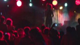 Brianna - Elastic Heart (Canlı Performans)