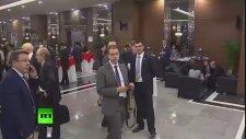 G20 Zirvesi'nde Kameraya Takılan İlginç Adam