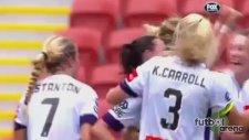 Kadın futbolcudan beklenmedik gol