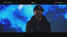 Criss Blaziny feat. Alessandra - Adio, da' ma intorc