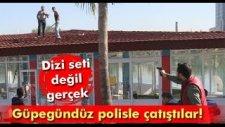 Adana'da Ellerine Kılıç Alan Kaçak Büfe Sahiplerinin Polisle Çatışması