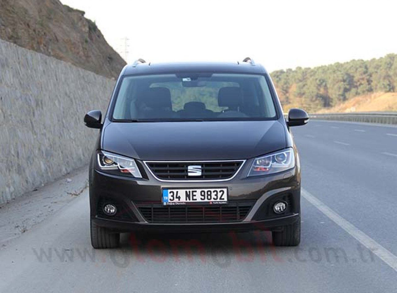 yeni seat alhambra 1 4 tsi dsg 2016 test. Black Bedroom Furniture Sets. Home Design Ideas