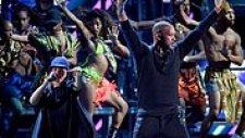 Bomba Estereo Grubu ve Will Smith'den Latin Grammy Ödülleri'nde Efsane Sahne Şovu