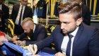 Fenerbahçeli futbolcular Adana Fenerium'da imza verdi