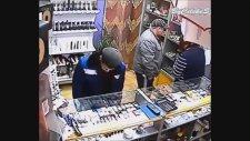 Seks Shop Mağazasından Dildo Çalan Adam