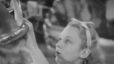 Alice in Wonderland (1933) Fragman