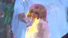 Ezgi Ünal Podyumda (Filiz Akın) – İşte Benim Stilim All Star 72. Bölüm Gala