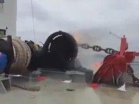 Ateş Çıkararak İnen Gemi Demir Zincirleri!