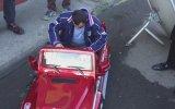 Köksal Baba Yeni Arabasıyla Tur Atıyor