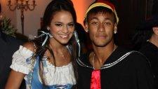 Neymar'ın aşkı göz kamaştırdı