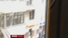 Moskova'daki Türkiye Büyükelçiliğini Yumurta Yağmuruna Tutan Ruslar