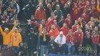 Polis ordusuna rağmen Galatasaray taraftarı