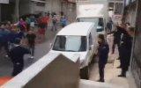 Polislere Saldıran Anadolu Çomarları