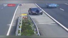 Çin'de Dönüşü Kaçıran Sürücünün Ceza Yememek İçin Yaptıkları
