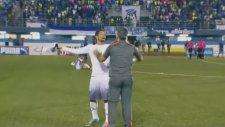 Oyundan Alınınca Teknik Direktörüne Saldıran Futbolcu