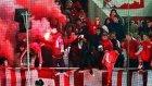 Spartak taraftarları Türk bayrağı yaktı