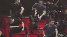 Selena Gomez - Kill Em With Kindness (Canlı Performans)