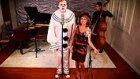Şarkılara Vintage Havası Katarak Cover'layan Gruptan 'mad World' Performansı