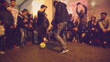 İstanbul'da Sokak Futbolu Resitali