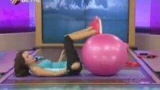Pilates Egzersizleri Ebru Şallı - Pilates Topu Boy Uzatma Hareketleri