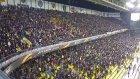 Fenerbahçeli taraftarlar Kadıköy'ü salladı