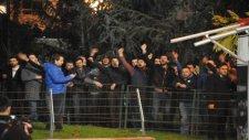 Bursasporlu taraftarlar Recep Bölükbaşı'nı istifaya davet etti
