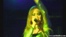 Melis Bilen - Conmigo canlı performans (Rıddım Club)