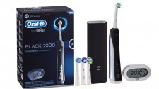 Akıllı Diş Fırçası Oral-B Black Pro Kutusundan Çıkıyor