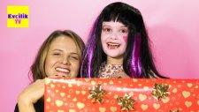 Dev Sürpriz Oyuncak Kutusu 6 - Barbie Monster High Draculaura - EvcilikTV