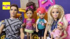 Barbie   Barbie ve Ailesi Taşınıyor   Barbie Oyuncakları   EvcilikTV