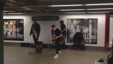 Lucky Chops sokak müzisyeni şahane performans