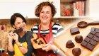 Giyen Bayan ile Ev Yapımı Çikolata