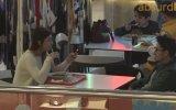 Tanımadığın İnsanların Masasına Oturma Şakası  Absurd TV
