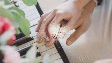 Bana Bir Aşk Masalından Şarkılar Söyle...