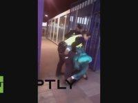 İki İspanyol Polisinin Yaptığı Vicdansızlık!