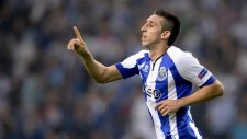 Hector Herrera'dan muhteşem gol!