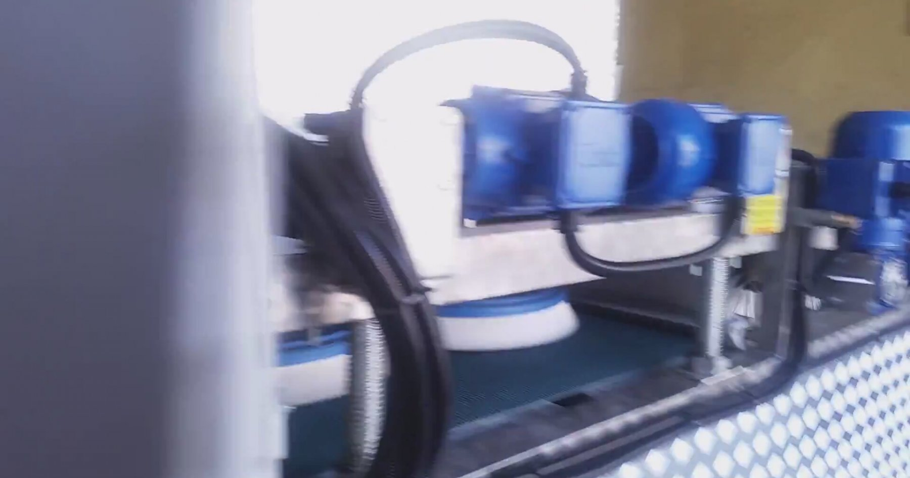 automatic carpet cleaning machine